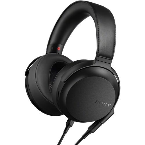 Sony MDR-Z7M2 Circumaural Closed-Back Headphones
