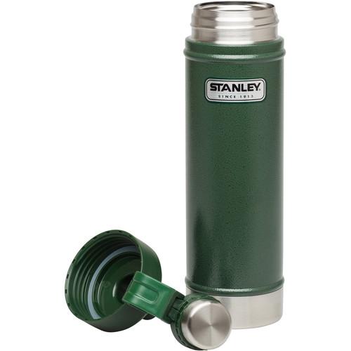 Stanley Classic Vacuum Water Bottle (25 fl oz, Hammertone Conifer)