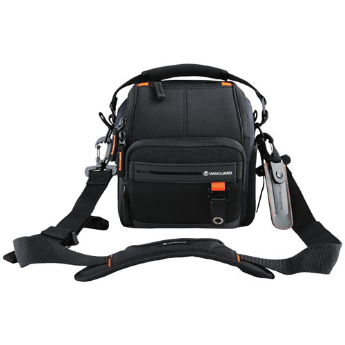 Vanguard Quovio 18 Shoulder Bag