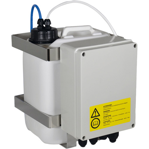 Videotec WASPT Water Tank with Pump for PTZ & Camera Housings with Wiper (5L, Up to 16' Delivery)