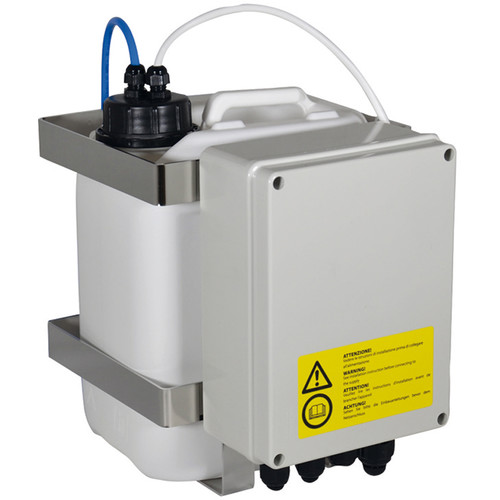 Videotec WASPT Water Tank with Pump for PTZ & Camera Housings with Wiper (5L, Up to 16' Delivery, Telemetry Controllable)