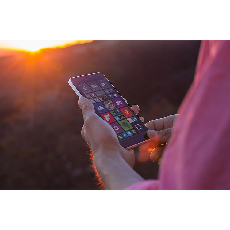Microsoft Lumia 640 XL RM-1066 8GB Smartphone (Unlocked, Blue)